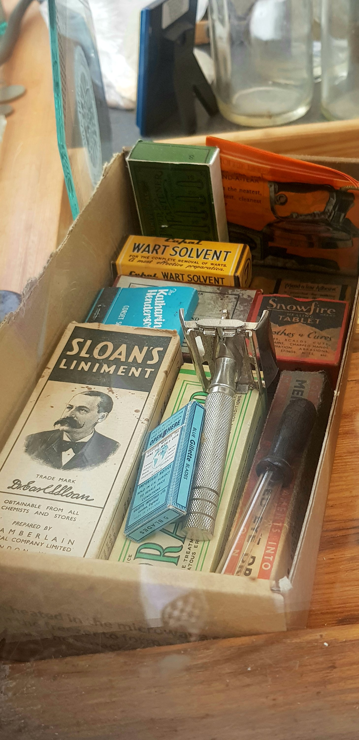 A collection of old shaving memorability